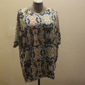 Lularoe floral knit tunic size medium
